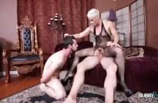 Hot MILF sucking and Fucking Shoots Cum In Cuckolds Face