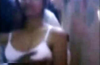 boobs of young Tamil callgirl getting exposed and felt