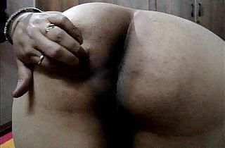 Desi indian wife showing big ass