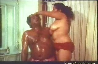 mallu aunty boobs oil massaged