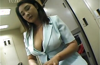 Yui Tokui fucks pussy with vibrator at office