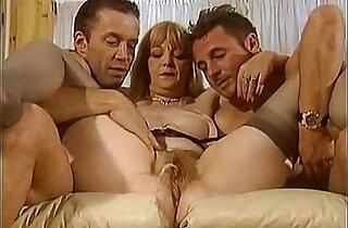 piss matures scene sophie verdi