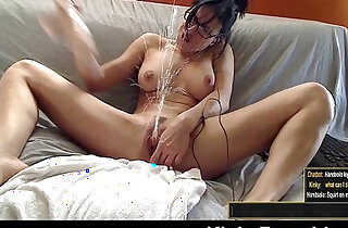 Acrobatic Bianca squirts on her face in the car