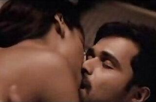 Esha Gupta kiss sex scene in group with Emraan Hashmi